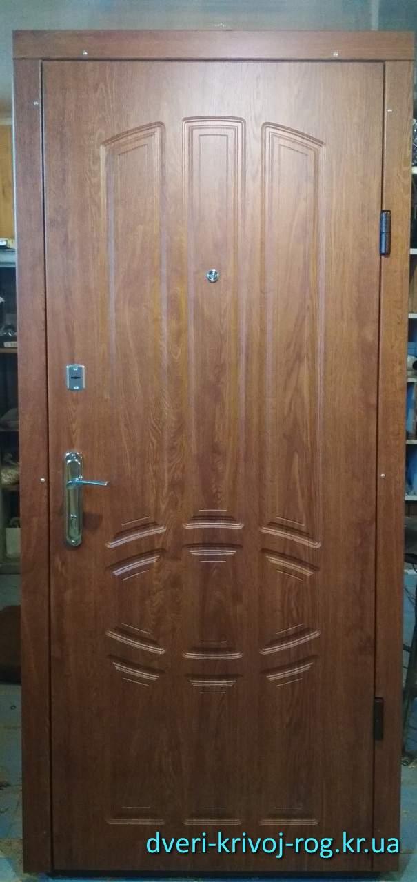 Входная дверь Медиум Кривой Рог с МДФ накладками
