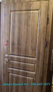 установка входной двери в Кривом Рогу недорого