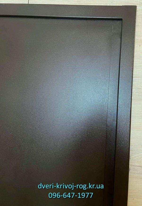 Порошковый окрас входной дешёвой двери