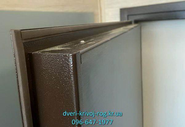 Уплотнитель и полотно дешёвой двери