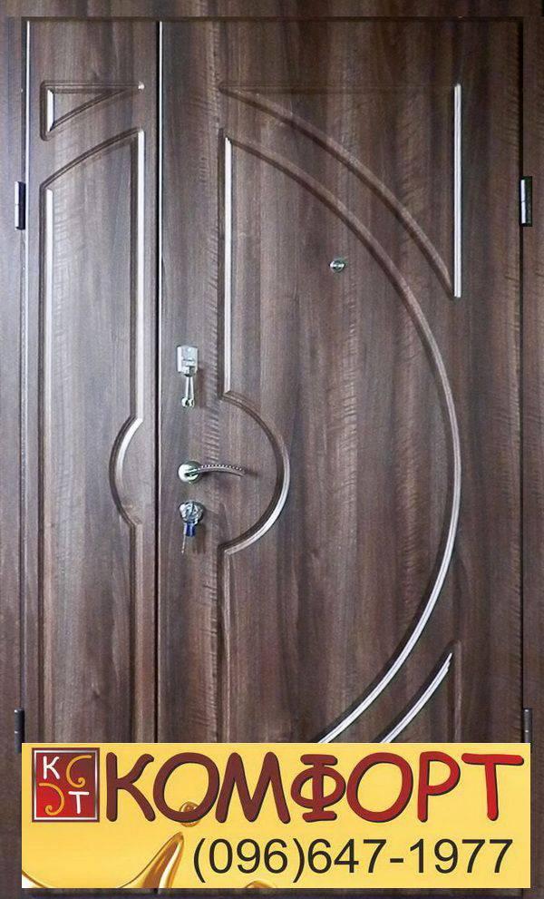 полуторная дверь входная